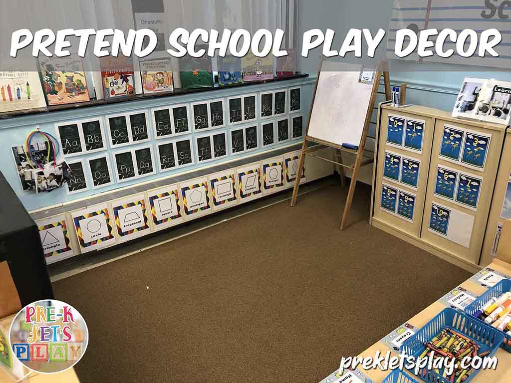 Open space of dramatic play area. Set up of pretend school play area. Kids will enjoy teaching preschool for pretend in this area.